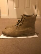 Men's soft touch high top size 7 desert boots