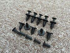 Fiat Todos Los Coches Negro Plástico Remache Empuje recortar clips del panel de parachoques 10PCS