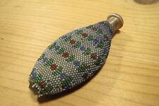 Ancienne fiole à sels ou parfum vinaigrette en verre et perles fines 19ème