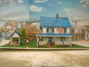 HO scale Farm house  detailed,painted, w/light Revell