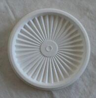 "Tupperware #812 White Round Servalier 5"" Replacement Lid 812B-1"