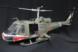 """JS International 1/18 US Army Huey B 174th AHC Gunship """"SHARK"""" - JSI-60028"""