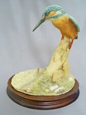 "LOVELY BORDER FINE ARTS 7"" PERCHED KINGFISHER ON POST BY RAY AYRES 1981"