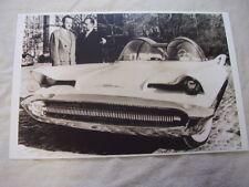 1955 FORD FURTURA SHOW CAR  LATER BARRIS BATMOBILE  11 X 17  PHOTO  PICTURE