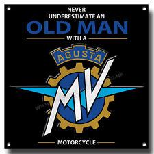 Never Underestimate an Alt Mann mit einem Mv Agusta Motorrad Metall