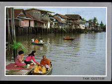 ETHNIQUE (THAILAND) BUDDHISTS THAI / BOUDDHISTE on the MONK
