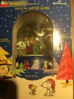 Hallmark Peanuts Musical Water Globe Song Oh Christmas Tree Special Edition
