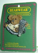 NEW Boyds Bears Friends FOLKWEAR Bear Pin Brooch COLLECT Folk ART 1995 CAMERA