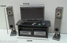 home cinéma miniature,maison de poupée ou vitrine,télévision,écran,enceintes M2