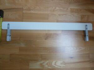 Ikea VIKARE child/toddler /kids, bed guard/rail. 90x8cm. Used, white. 2 of 2.
