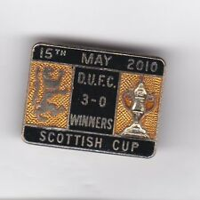 """Dundee United  """"Scottish Cup Winners 2010"""" - lapel badge No.1 brooch fitting"""