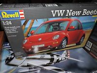 REVELL 1/24th SCALE VOLKSWAGEN NEW BEETLE # 07335