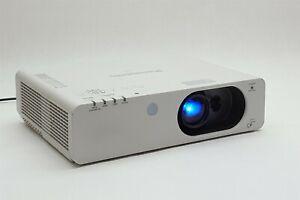Panasonic PT-FX400U FX400 XGA 4000 Lumens 1024x768 HDMI 3LCD Projector 3524 Hrs
