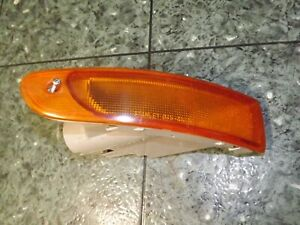 OEM 98-02 Mazda Millenia front right turn signal light Stanley 045-4107 R FR V1