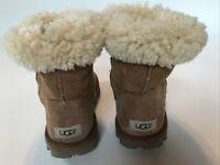 Ugg Essential Classic Short Chestnut US Sz 9 Boots