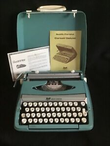 Vtg MCM Smith Corona Corsair Deluxe Manual Typewriter Aqua