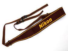 Nikon Cinghia An-6 W Rosso/giallo B0242577