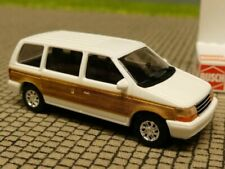 1/87 Busch Plymouth Voyager weiß + Holz 44613