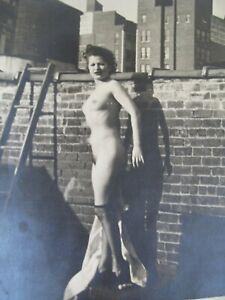1938 Nude Model 8x10 on Top of New York Roof by Artist Reginald Marsh - Painter