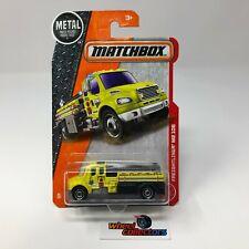 Freightliner M2 106 * Yellow * Matchbox * Q32