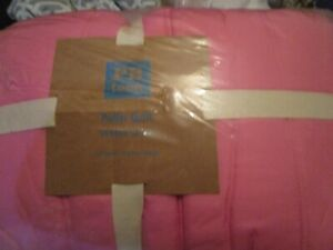 Pottery Barn Teen Puffer full queen quilt Pink New with tag