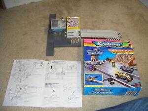 Galoob 1996 Hiways & Byways Micro Machines Big Daddy's Dragstrip