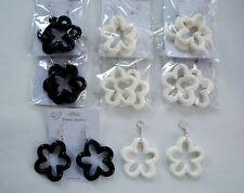 Markenlose Mode-Ohrschmuck aus Kunststoff mit Hakenverschluss