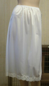 Kayser KB700 Waist Slip 28ins Length With Lace Trim In White