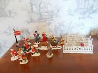 Christmas Village Figurines & Fences 20 Pieces NEW!