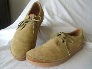 Mens Clarks Active Air size 8.5G sand suede casual shoes VGC!