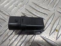 Volkswagen Golf Mk3 Gl 1997 Porte Verrou Contact Interrupteur (Arrière Droit)