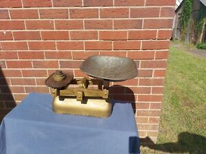Vintage Avery Scales With Weights