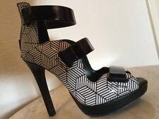 "BCBG Generation ""GALA"" Black & White Platform Sandal High Heel 4 3/4"" US Sz 6 M"