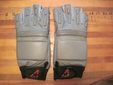 ALL-STAR FOOTBALL LINEMANS GLOVES,GRAY, SZ MENS L, NEW, PADDED,CUT OFF FINGERS !