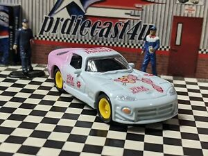 JOHNNY LIGHTNING 1998 DODGE VIPER CUSTOM THE PINK PANTHER LOOSE 1/64 SCALE