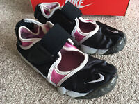 Womans Nike Trainers - Good Condition- Size 4.5uk - Multi Colour - With Box