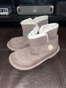 Kid's Crocs Lined Boots Size j 1