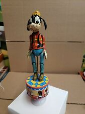 Vintage tin toy dancing Goofy wind up. Works great.