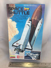 """UNBUILT Lindberg Snap Fit Space Shuttle Moveable Canadarm & Bay Doors 10.5"""" Tall"""