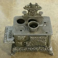 VINTAGE CAST IRON EAGLE STOVE MINIATURE SALESMAN SAMPLE TOY # 774