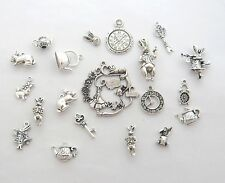 8 x tibetan silver Alice au pays des merveilles pendentif lapin blanc charme en perles