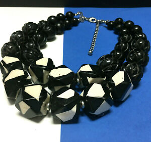 New CHICO'S Chunky Black & White Carved Lucite Beaded Statement NECKLACE RR118K