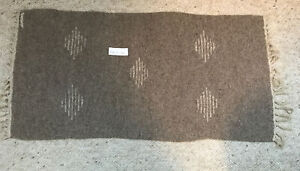 """VINTAGE ANTIQUE WOOL NATIVE AMERICAN SMALL RUG 17""""Wide X 33"""" Long KNOTTED ENDS"""