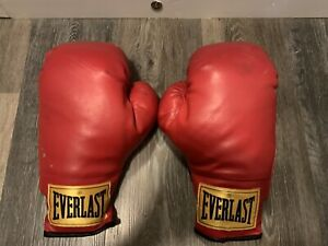 Everlast Red Boxing Gloves 14 Oz Yellow Tag Slip On Sparing