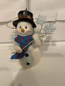 Ceramic Snowman Angel Holding Snowflakes Ornament Figurines ~ EUC