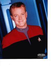 Robert Duncan McNeill   ( Star Trek-Voyager  8x10)  Photo