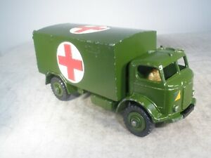 Dinky toy Military Army Ambulance #626 OUTSTANDING