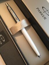 NEW PARKER JOTTER WHITE CHROME TRIM BALLPOINT PEN-FRANCE-BLACK INK-GIFT BOX