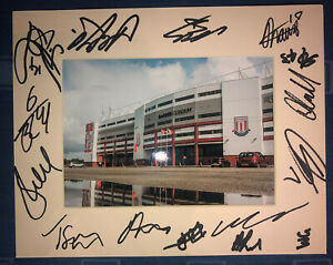 Stoke City FC 21/22 HAND SIGNED 10x8 MOUNT DISPLAY Signed By 15 Players