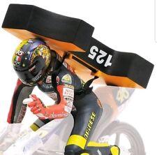 Figura Valentino Rossi 1997 Brno World Champion.1:12 Minichamps 312970246 Model